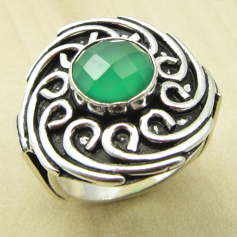 Green Onyx Sterling Silver Ovarlay 6 Grams Ring Size 6.75 US Gift Jewelry